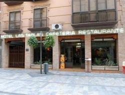 El Hotel-Restaurante Las Tablas goza de una ubicaci�n inmejorable en el centro de Daimiel, junto a la Plaza de Espa�a, centro neur�lgico de la localidad, por lo que supone el emplazamiento ideal para alojarse tanto en viaje de ocio como profesional.