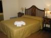 Habitaci�n con cama de matrimonio, televisi�n, tel�fono, conexi�n wifi internet,calefacci�n y aire acondicionado, ba�o y amenities.